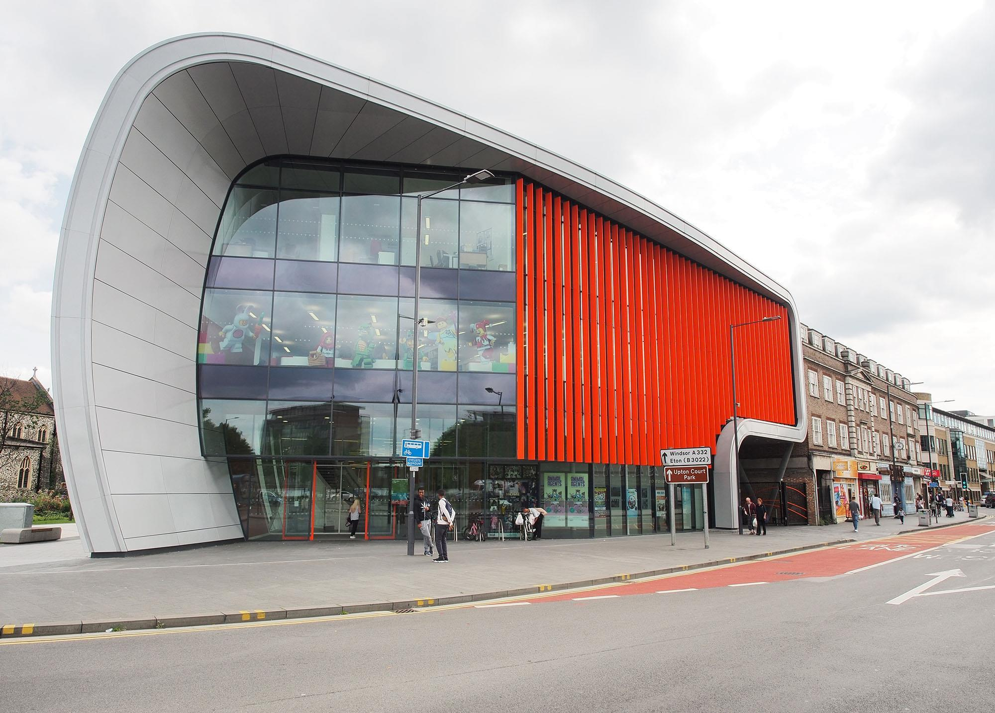 Carbuncle Cup The Curve Slough By Bblur Architecture And