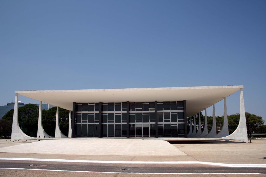 Oscar Niemeyer Shattered Multimedia Building Design