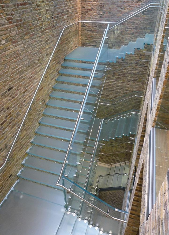 Glass Staircases In Apple S Covent Garden Store