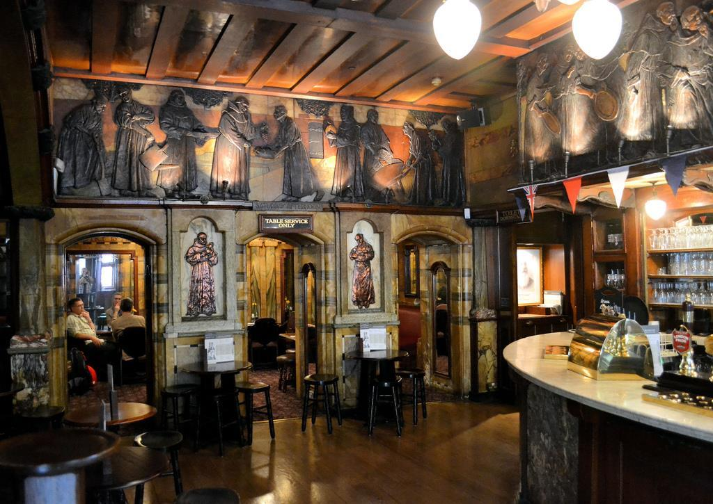 Architects Favourite Pubs The Black Friar Blackfriars