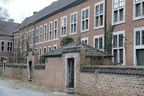 Hasselt University beguinage. David Kohn Architects and Bovenbouw Architectuur