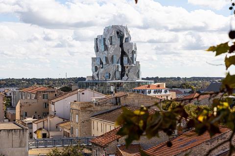 3. Luma tower (c) ADRIAN DEWEERDT (4)